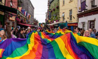 Paradas LGBTQ acontecem em Cork, Galway e Belfast