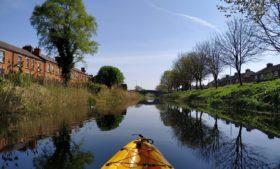 Que tal passear de caiaque pelo Grand Canal, em Dublin?