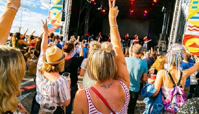 Festival brasileiro e baladas agitam o mês de agosto