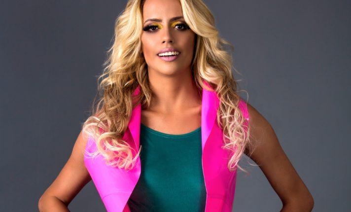 DJ brasileira Anne Louise toca em festa LGBTQ em Dublin
