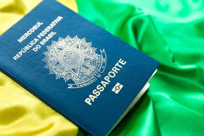 Quanto custa tirar um novo Passaporte brasileiro na Irlanda? © Filipe Frazao | Dreamstime.com