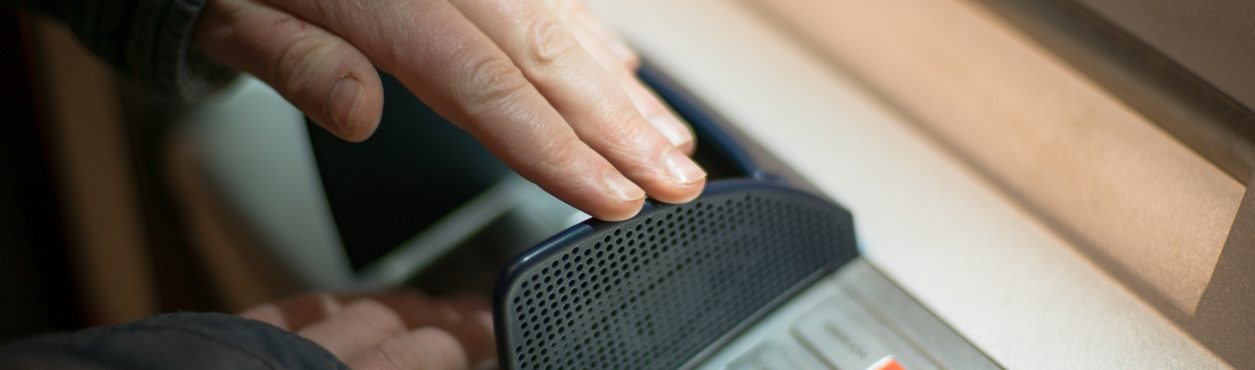Polícia irlandesa emite aviso sobre ligações bancárias falsas