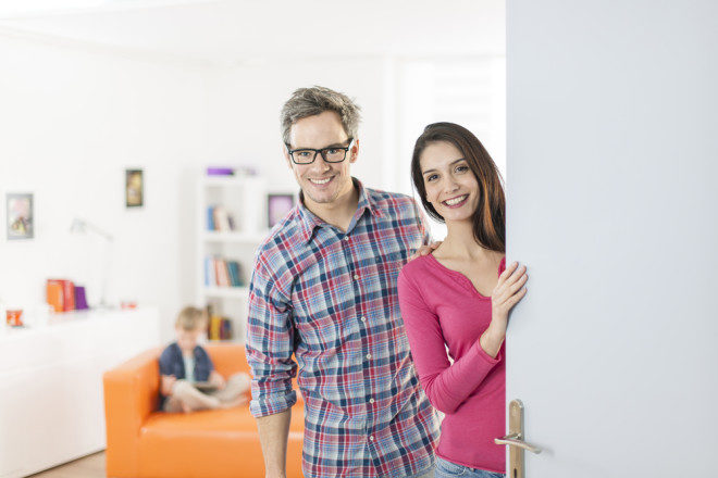 Chegar numa hosyt family sem nada de inglês pode ser um desafio estimulante. Crédito: Shutterstock