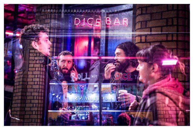 Leve seu animal para se divertir com você na Dice Bar foto: divulgação Dice Bar