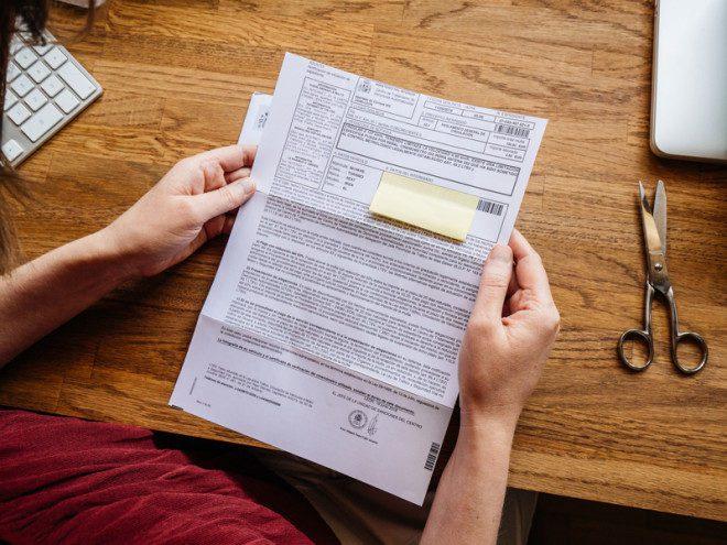 Na Irlanda fazer uma carta de apresentação é essencial na procura por emprego no país.© Ifeelstock | Dreamstime.com