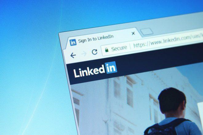 O Linkedin é uma ferramenta essencial para ser visto por recrutadores.© Mohamed Ahmed Soliman | Dreamstime.com