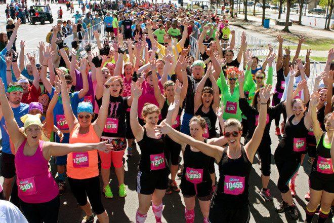 As empresas multinacionais amam saber que você correu uma maratona em prol de uma ONG.© Russ Ensley | Dreamstime.com
