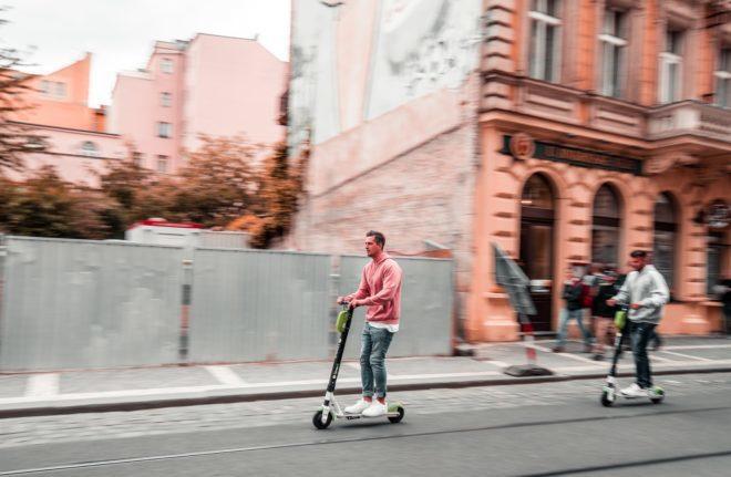 As scooters estão por diversas cidades da Europa. Foto: Marek Rucinski/Unsplash