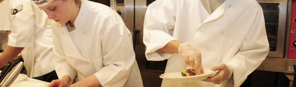Restaurantes e hotéis alimentam empregos temporários na Irlanda