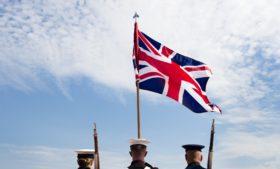 Quem vive na Irlanda do Norte é irlandês ou britânico?