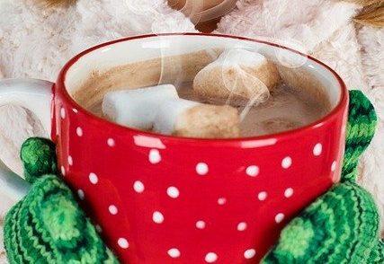Hot chocolate é uma das bebidas mais tradicionais do inverno e Dublin está cheia de opções. Imagem: Pixabay