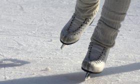 Dublin recebe mega pista de patinação no gelo