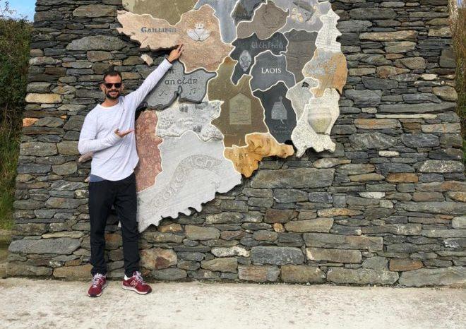 O deficiente auditivo Felipe Fiori conseguiu um emprego na área após 4 meses morando na Irlanda. Imagem: Arquivo Pessoal
