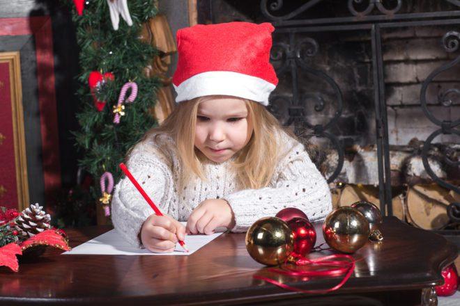 Carta para o Papai Noel é tradição na França. ©Vadim Zakharishchev|Dreamstime.com