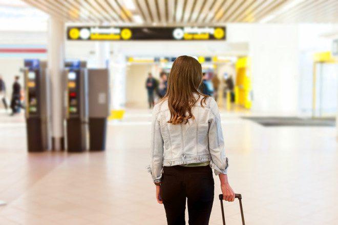 Pesquise as especificações de bagagem da companhia escolhida para a sua viagem. @ Vlad Teodor | Dreamstime.com