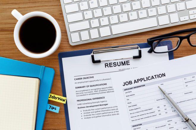 Aposte no formato tradicional para a procura de emprego. © Everydayplus | Dreamstime.com