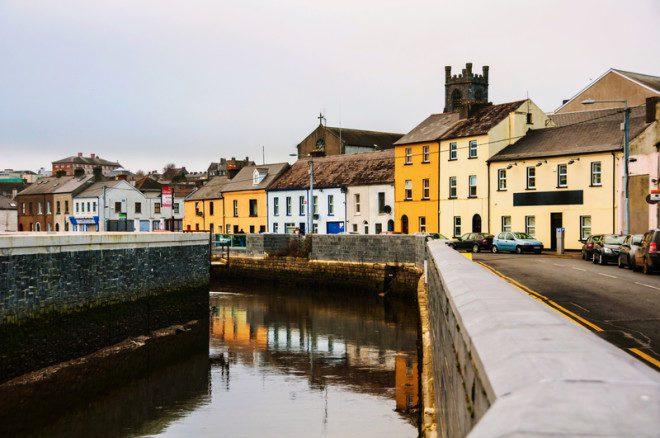 A cidade de Waterford é muito receptiva e possui muitas atrações.@ Madrugadaverde | Dreamstime