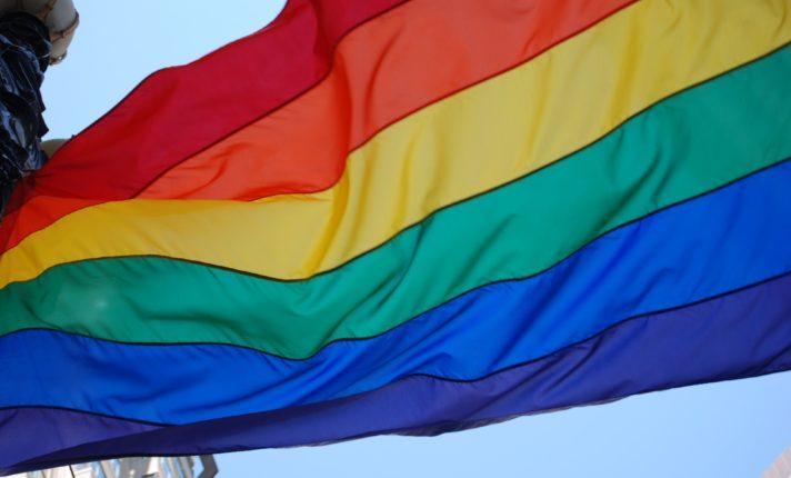 Após impasse, casamento gay se torna lei na Irlanda do Norte