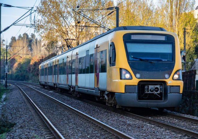 É possível cruzar o país gastando pouco com trem e ônibus.©Patriciamijares|Dreamstime.com