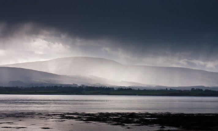 Tempestade Brendan chega à Irlanda nesta segunda