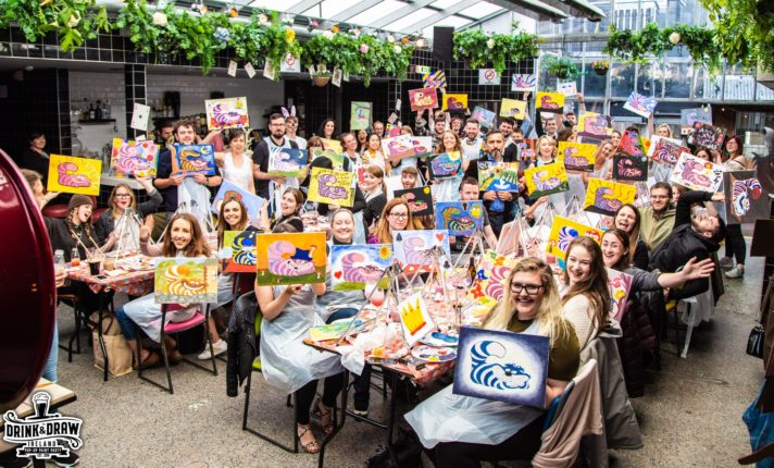 Evento promove pintura coletiva em pubs de Dublin