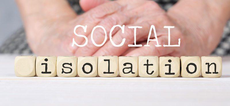 Quem deve ficar isolado e manter a distância social em tempos de Covid-19?