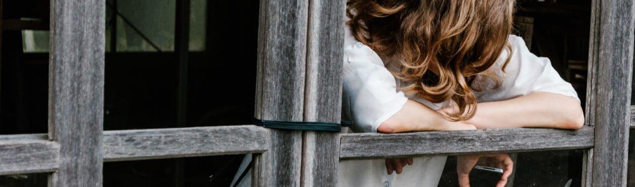 Associação oferece ajuda psicológica gratuita a estudantes brasileiros na Irlanda