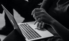 Conselho de estudantes internacionais da Irlanda questiona qualidade de aulas online