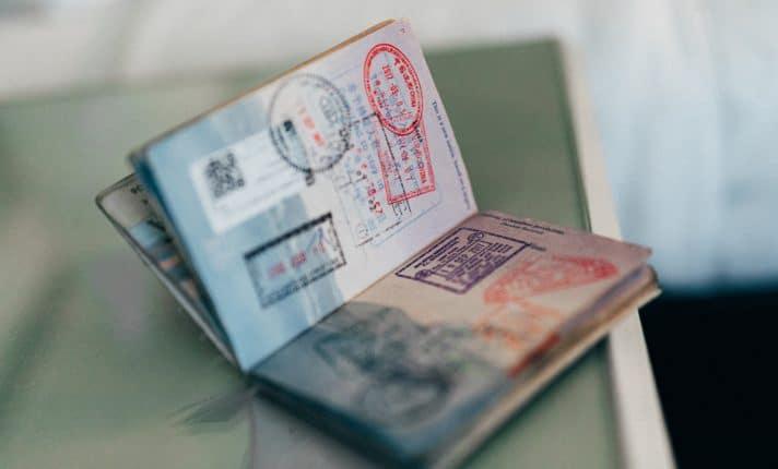 Coronavírus: governo concede 'carta de permanência' a intercambistas sem visto