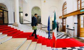 Coronavírus: Irlanda divulga calendário de reabertura do país