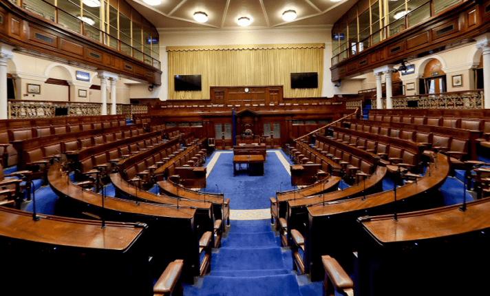 Partidos fazem coalizão histórica para criar novo governo na Irlanda