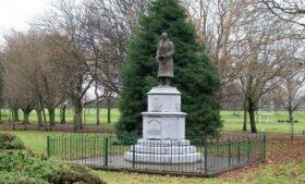 Governo irlandês deverá retirar estátua de ex-líder republicano com ligação nazista
