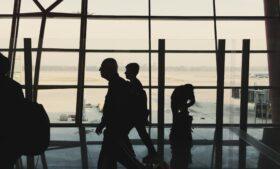 Coronavírus na Irlanda: 2 mil pessoas têm benefícios cortados após viagem ao exterior