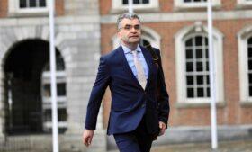 Covid-19: políticos perdem cargos na Irlanda por 'mau comportamento'