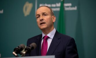 Covid-19: Irlanda entra no nível mais restrito de lockdown