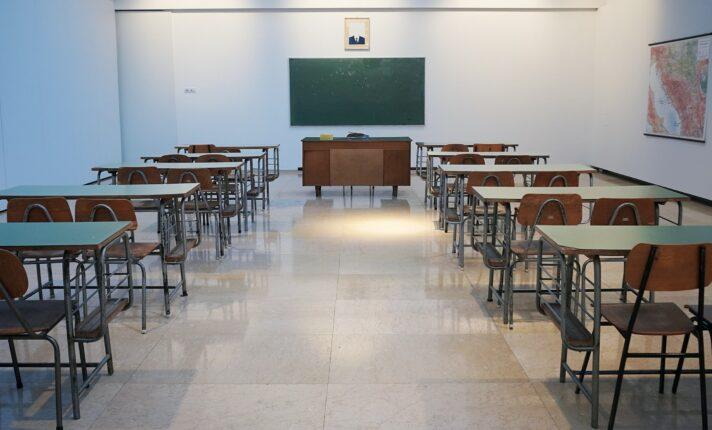 Lockdown na Irlanda: aulas de inglês voltam online e escolas não devem receber novos alunos