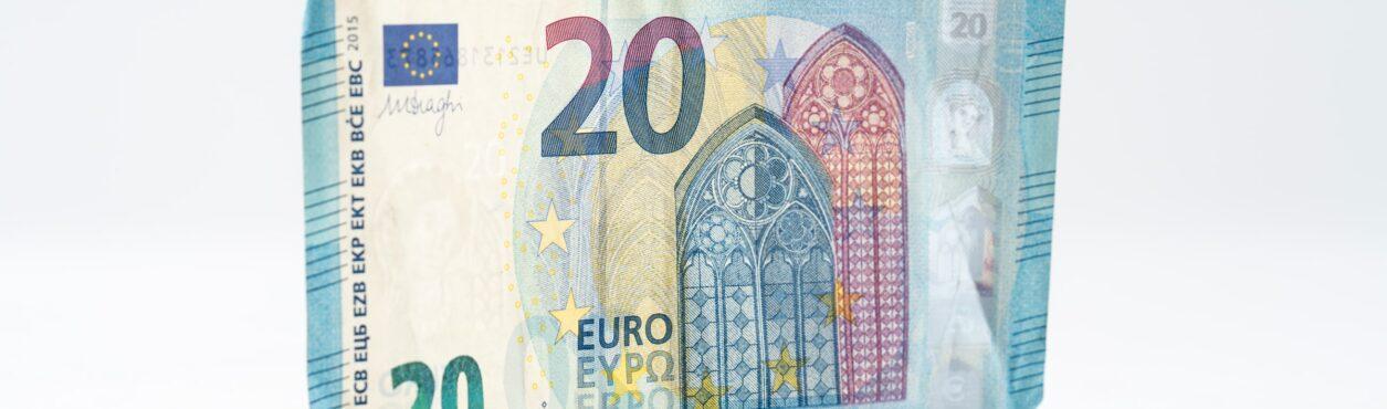 Teto do auxílio emergencial volta a ser € 350 por semana na Irlanda