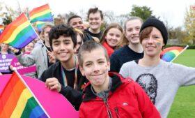 Material didático leva temática LGBTI+ às escolas da Irlanda