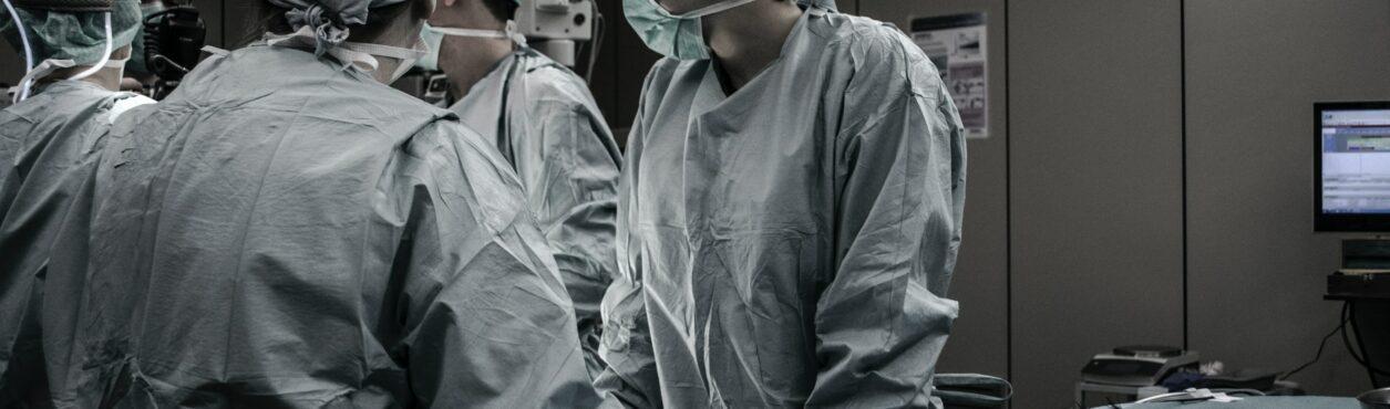 Covid-19: em 10 dias, pacientes em UTIs mais que dobram na Irlanda