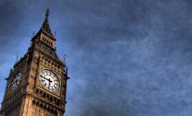 Reino Unido aprova quarentena obrigatória em hotéis para 33 países