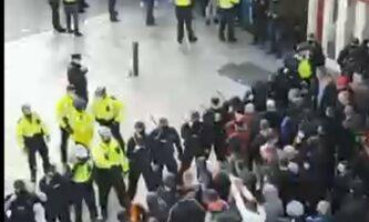Protesto contra lockdown termina em tumulto na capital da Irlanda