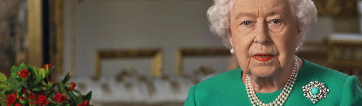 Rainha Elizabeth II congratula irlandeses pelo St. Patrick's Day
