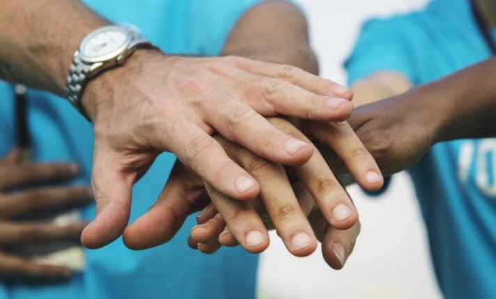 Como fazer trabalho voluntário gratuito na África